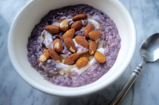Blueberry Oatmeal with Greek Yogurt and Almonds 1