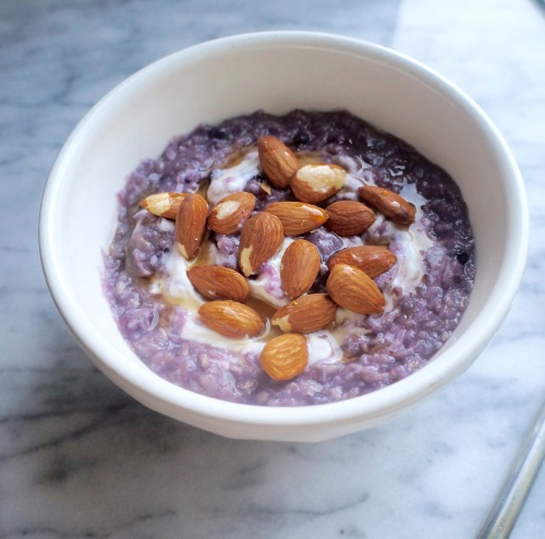Blueberry Oatmeal with Greek Yogurt and Almonds 3