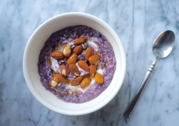 Blueberry Oatmeal with Greek Yogurt and Almonds