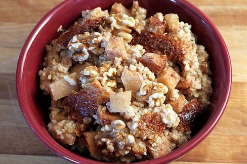 Overnight Slow Cooker Apple Cinnamon Steel Cut Oatmeal
